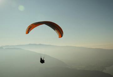 adrenaline-trip-paragliding-unique-experience