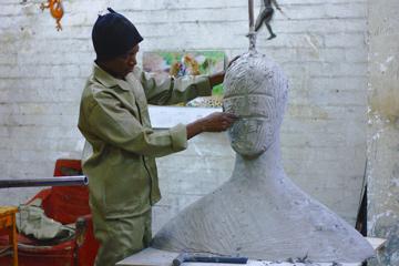 kuenstler-skulptur-nach-auftrag-wunsch