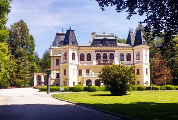 road-trip-luxury-hospitality-castle-mansion